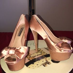 H by Halston rose gold satin platfor hill ,bow👌🏻